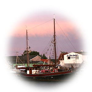 Our smokehouse is located in the old fishing town Kerteminde which is known from 1225. Sealand Concept uses the old noble smoke methods.